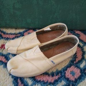 Ladiessoms Size 7.5 Cream Color Canvas flats